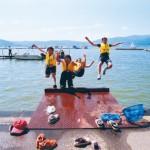 諏訪湖と子供達