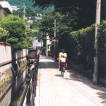 温泉街の小路